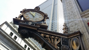 Clock in downtown pittsburgh